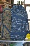 画像1: 米軍放出品  U.S.NAVY ジャイアント ダッフルバックパック (1)