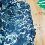 画像2: 米海軍実物 US NAVY NAME付き GORE-TEX パーカー S-S (2)