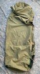 画像2: 米軍実物 スリーピングバッグ ゴアテックスカバー (2)