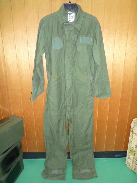 画像1: 米軍放出品,コットンカバーオール M (1)