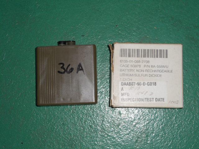 米軍放出品 PRC-119 SINGCARS RADIO BATTERIE BA-5590/U