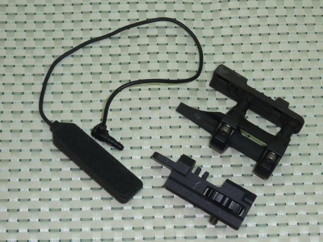 画像1: 米軍実物 レーザーサイト マウントキット (1)