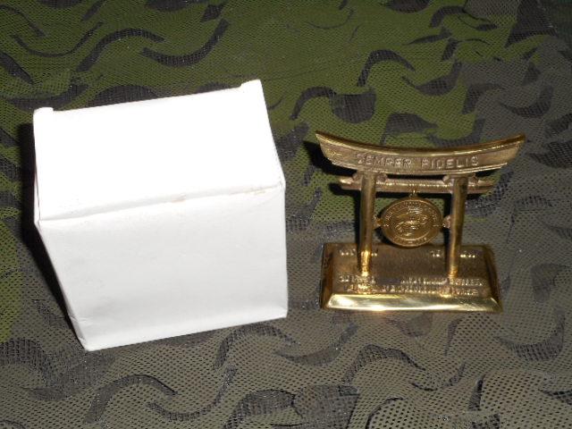 画像1: 米軍放出品.U,S,M,C, 220TH BIRTHDAY 記念品 鳥居 (1)