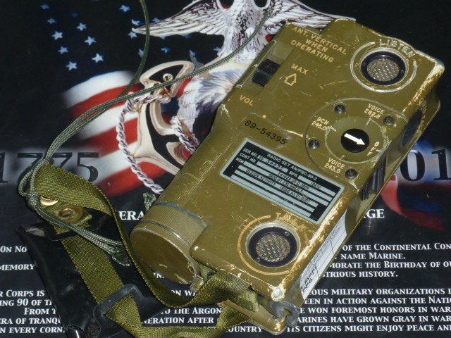 画像1: 米軍実物 AN/PRC-90-2 軍用無線機 (1)