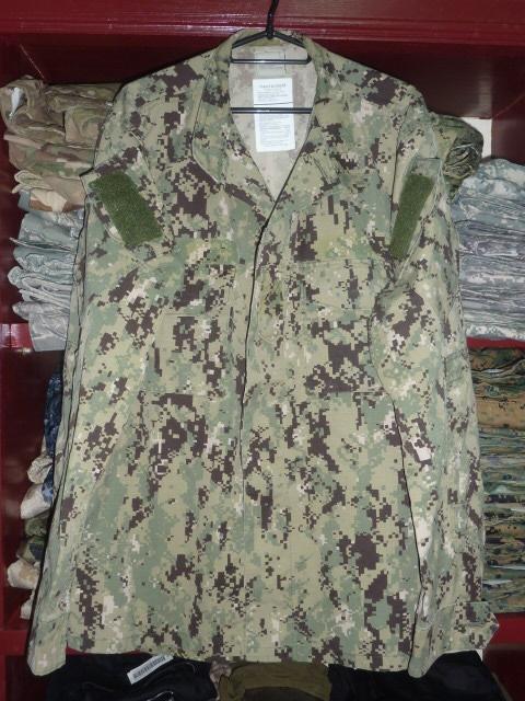 画像1: 米軍実物 US NAVY, 迷彩ジャケット TYPEIII L-L (1)