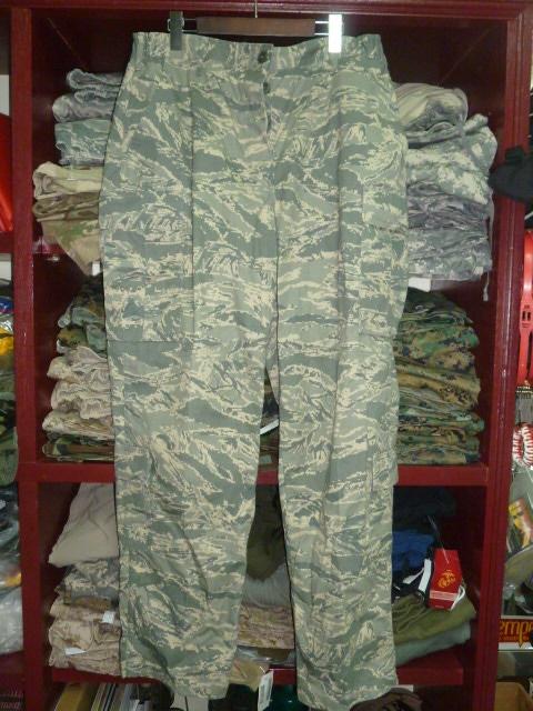 画像1: 米軍実物,USAF ABU WOMAN'Sパンツ 20R (1)