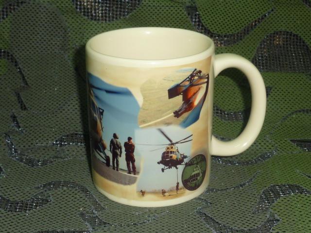 画像1: 米軍放出品 US AIR FORCE マグカップ (1)