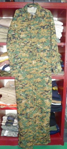画像1: 米軍放出品,ウッドランド ピクセル カバーオール M (1)