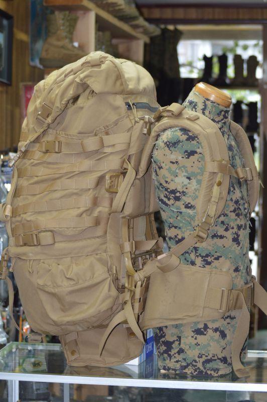 画像1: 米軍海兵隊実物  USMC PACK FILBE  メインパック コヨーテ (1)