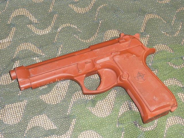 画像1: 米軍実物 ASP 7301 Red Training Gun BER 92/ (1)
