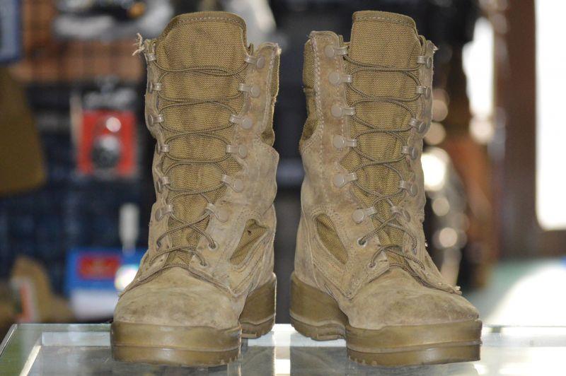 画像1: 米軍実物 BATES デザートマーパットブーツ 6W (1)