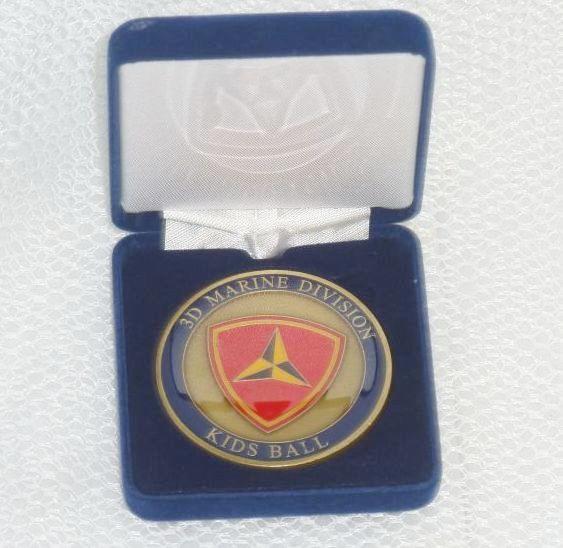 画像1: 米軍実物 U,S,M,C BALL 記念メダル (1)