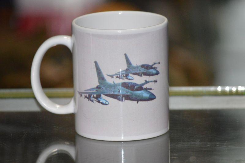 画像1: 米軍放出品  AIR FORCES マグカップ (1)