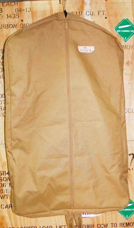 画像1: 米軍放出品.コヨーテ 衣装ケース (1)
