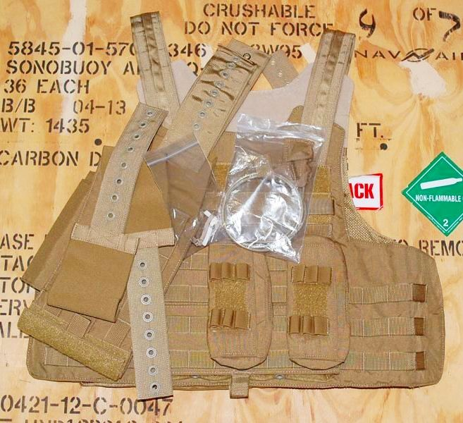 画像1: 米軍実物 イーグル MAC-R  リリーサブルアーマーベスト M (1)