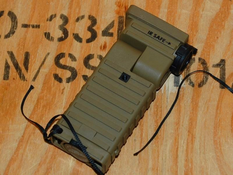 画像1: 米軍実物 L型ライト Streamlight Sidewinder 赤外線 (1)