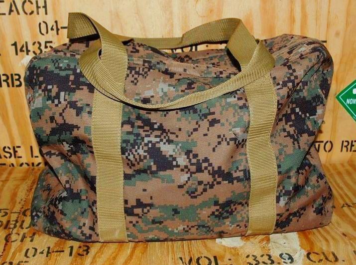 画像1: 米軍放出品 USMC ピクセル ボストンバッグ (1)