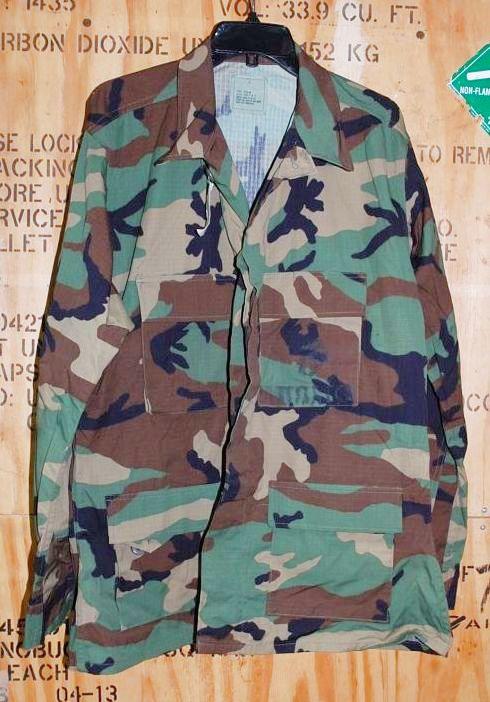 画像1: 米軍実物 USMC ウッドランド 迷彩ジャケット L-R (1)