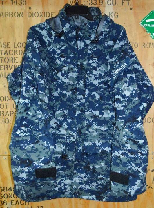 画像1: 米海軍実物 US NAVY GORE-TEX パーカー M-R (1)