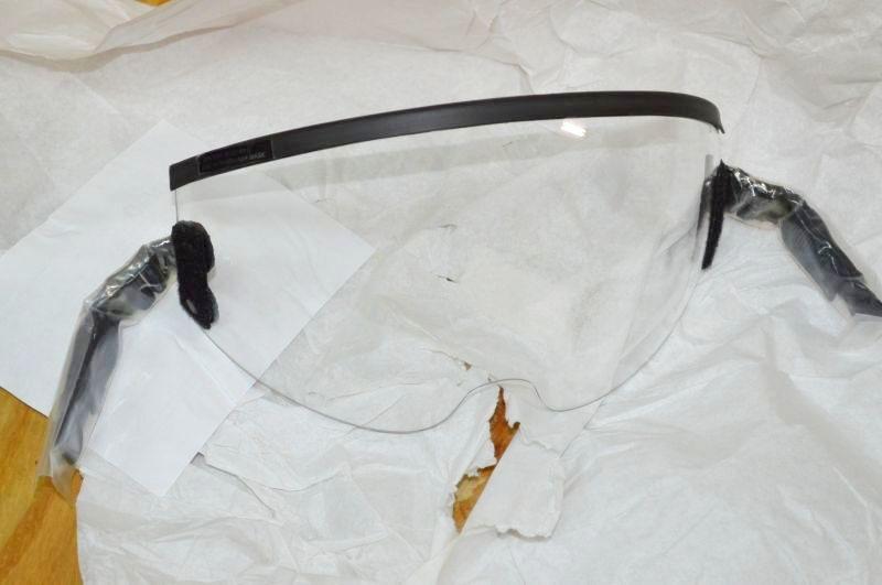 画像1: 米軍実物 Clear Visor Lens, HGU-55/P   Flight Helmet, 12/P Mask  (1)