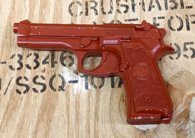 画像1: 米軍実物 ASP 7301 Red Training Gun BER 92/ (1)