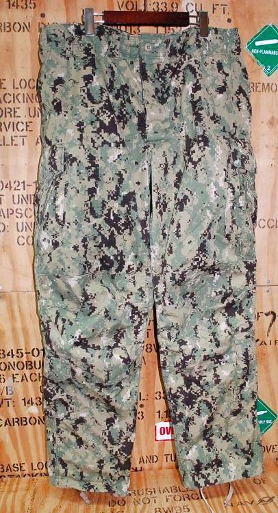 画像1: 米軍実物,US NAVY, AOR2 NUW 迷彩パンツ TYPEIII XL-R (1)