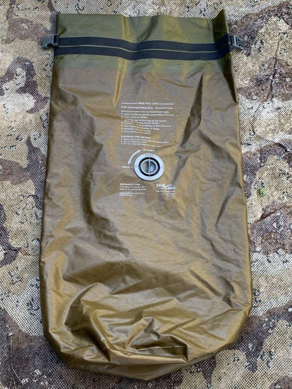 画像1: 米海兵隊実物 SealLine  ILBE Waterproofing Bag-Assault Pack 56L  (1)