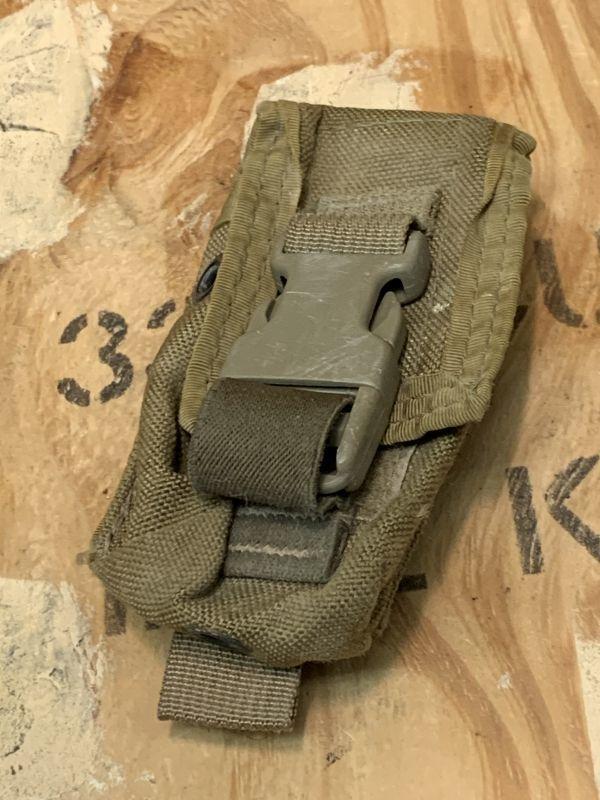 画像1: 米軍放出品 TACTICAL ASSAULT GEAR ハンドグレネードポーチ COYOTE (1)