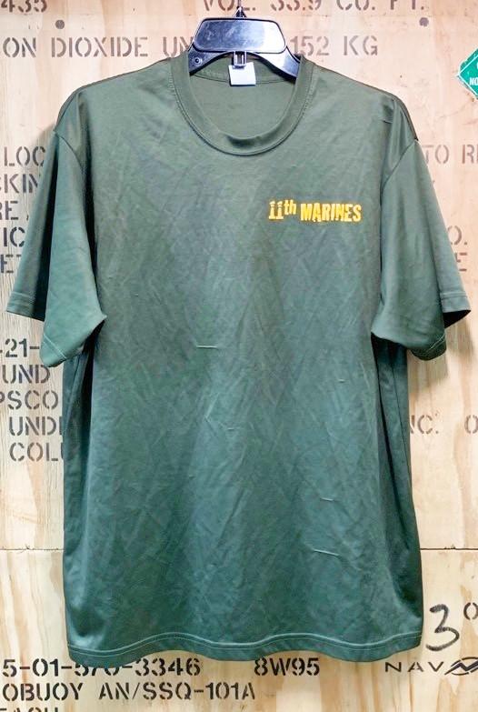 画像1: 米軍放出品 USMC 11th MARINES Tシャツ X LARGE (1)