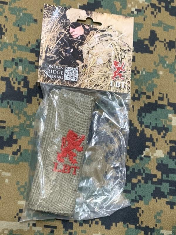 画像1: 米軍放出品 LBT Padded Handle Wrap TAN   スリング/ショルダーパット (1)