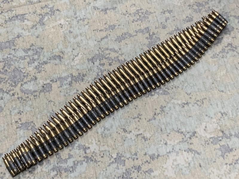 画像1: 米軍実物 薬莢 ダミーカート 100連発 5.56mm ベルトリンク (1)