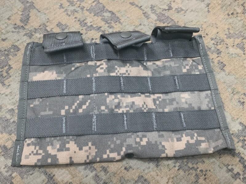画像1: 米軍実物 ACU トリプルマグポーチ (1)