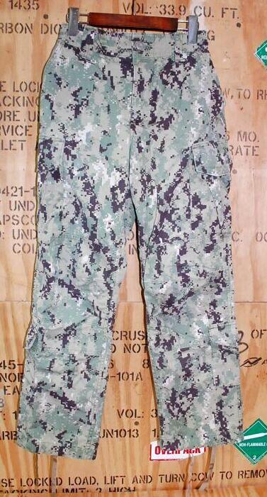 画像1: 米軍実物,US NAVY, AOR2 NUW 迷彩パンツ TYPEIII S-S (1)