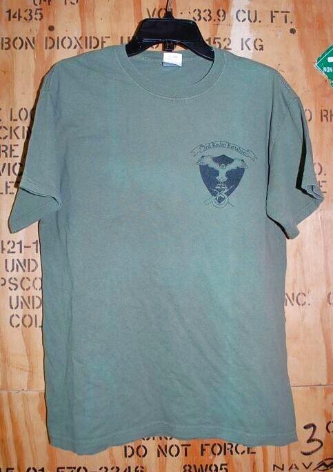 画像1: 米軍放出品,USMC 3rd radio battalion Tシャツ MEDIUM (1)