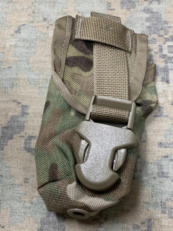 画像1:  米軍実物  EAGLE FLASH BANG GRENADE POUCH マルチ (1)