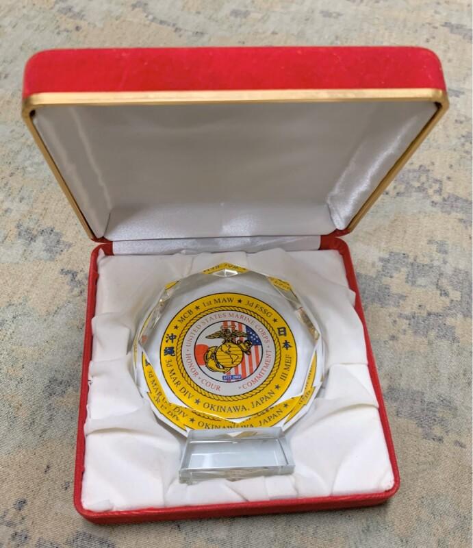 画像1: 海兵隊実物 U,S,MARINE モニュメント クリスタル グラス (1)