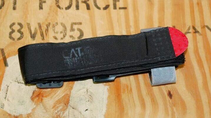 画像1: 米軍実物,CAT 止血帯 ターニケット (1)