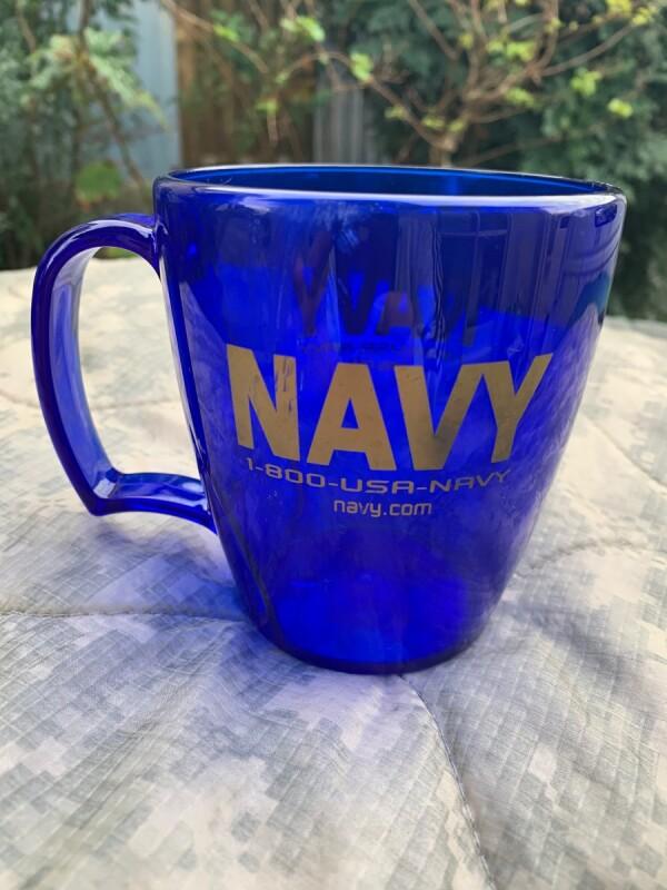 画像1: 米軍放出品 US NAVY プラスチック カップ (1)