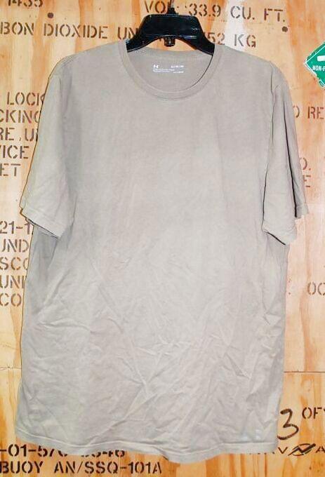 画像1: 米軍放出品 アンダーアーマー Tシャツ XL (1)