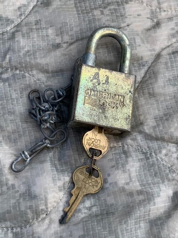 画像1: 米軍実物 軍用 AMERICAN LOCK Padlock 南京錠 (1)