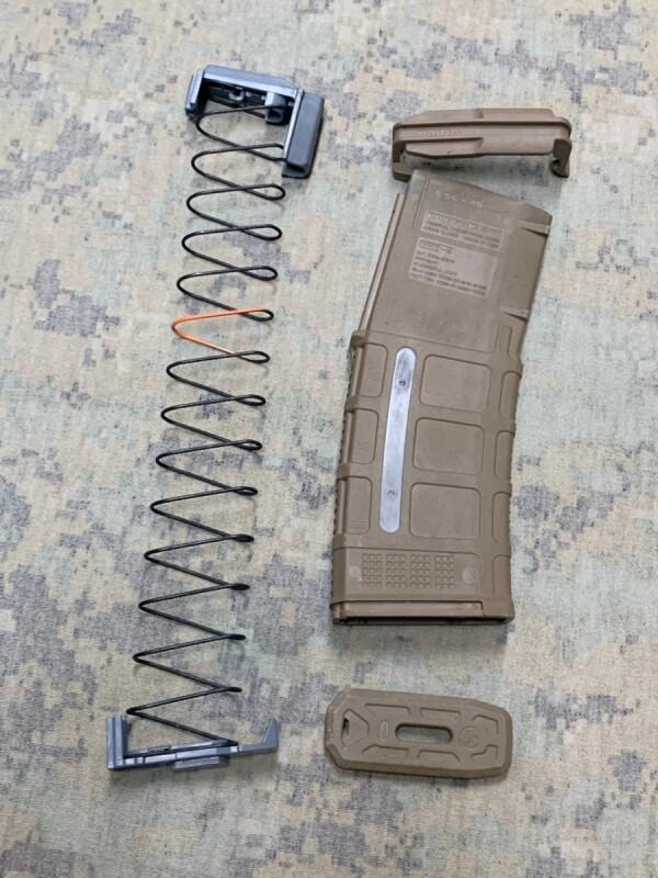 画像1: 米軍実物 MAGPUL  PMAG 30 GEN M3 30連マガジン WINDOW 両窓 30rd マグ 5.56mm コヨーテタン (1)
