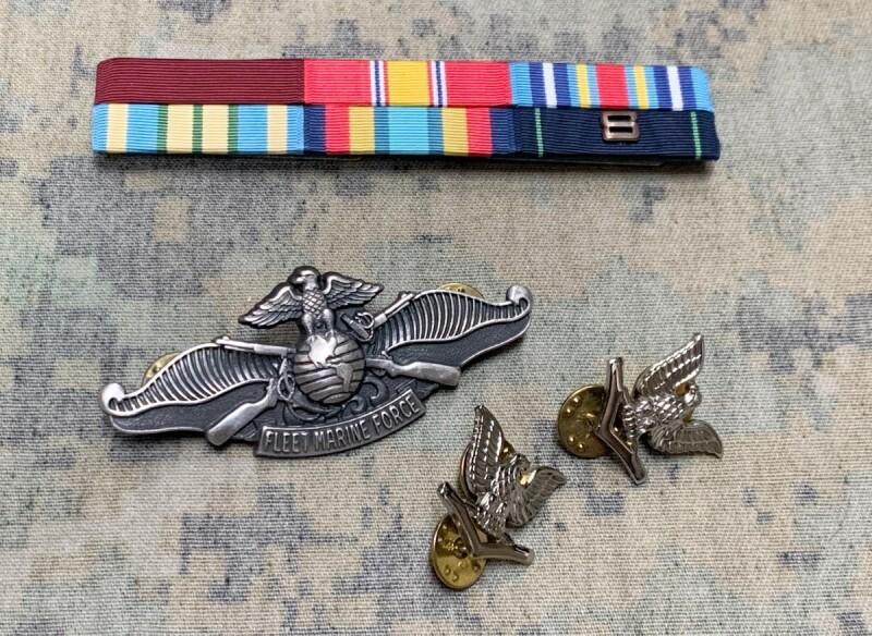 画像1: 米軍実物 United States Navy  リボン 勲章 バッチ セット (1)