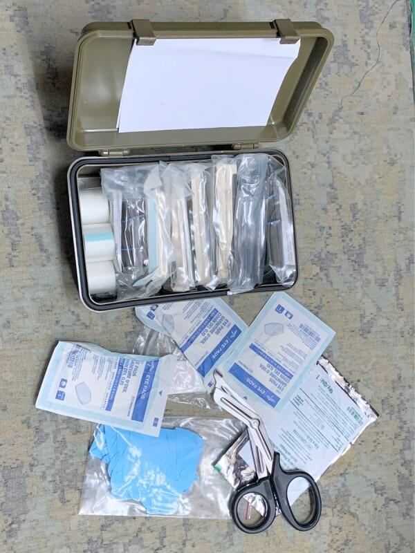 画像1: 米軍実物 FIRST AID KIT BOX GENERAL PURPOSE ファーストエイドボックス   (1)