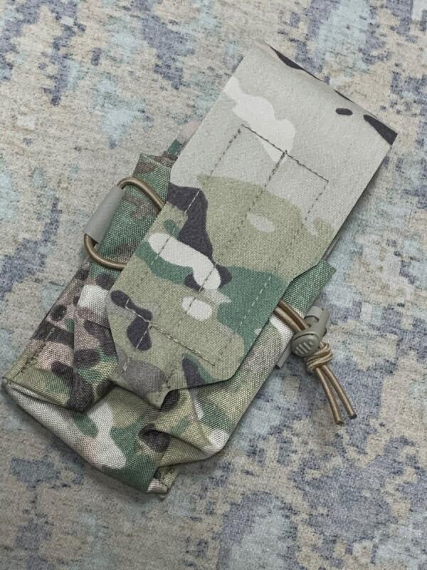 画像1: 米軍実物 BLUE FORCE GEAR  M4 シングル マガジンポーチ  (1)