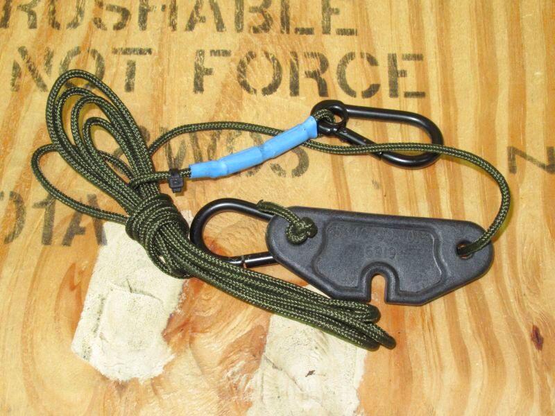 画像1: 米軍放出品,カラビナ付き ODロープ (1)