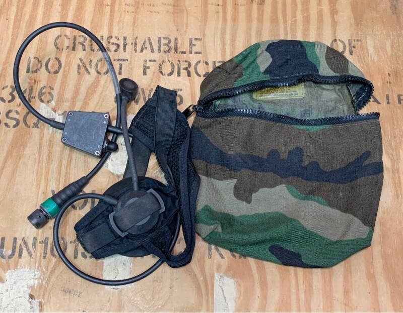 画像1: 米軍実物 THALES製マリタイムタクティカルヘッドセット 10-pinマリタイムコネクター (1)